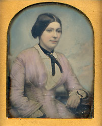 English 9th plate tinted daguerreotype with a full case